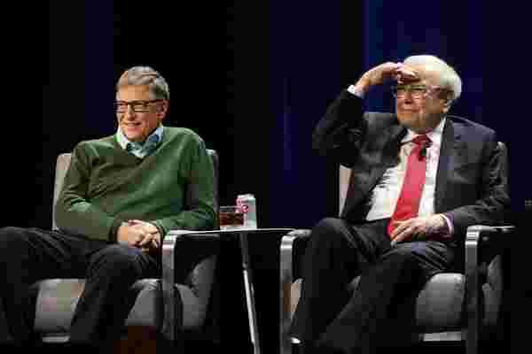 在领导力方面,内向被低估了 -- 沃伦·巴菲特 (Warren Buffett) 和比尔·盖茨 (Bill Gates) 分享了他们如何利用内向来发挥自己的优势。