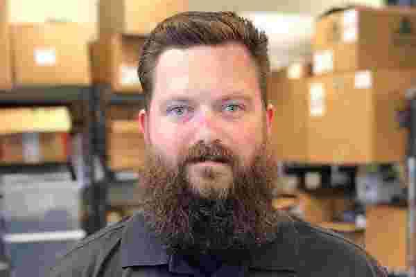 这位退伍军人利用他的军事经验发展了3.5万美元的胡须美容业务的5种方法